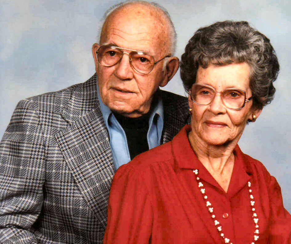 john and ruby mcpheeters at right is ruby detress broadhead 1560 with spouse john mcpheeters 1989 wenatchee wa photo taken by olan mills studio